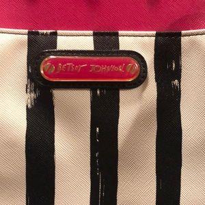 Betsey Johnson Bags - Betsey Johnson purse